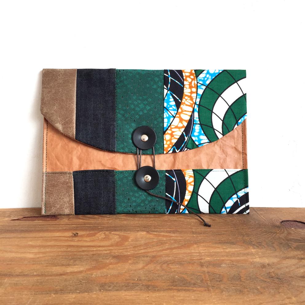 ノチホド軽くて丈夫/持ち歩きたくなる米袋のマルチポーチ(M)/グリーン/アフリカ布
